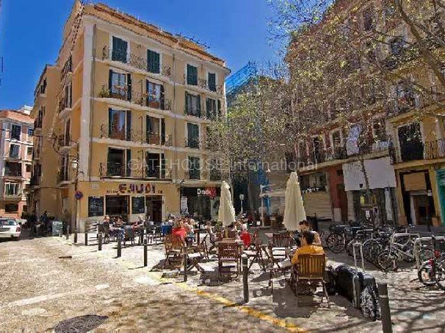 Palma City centre apartment for sale overlooking small square