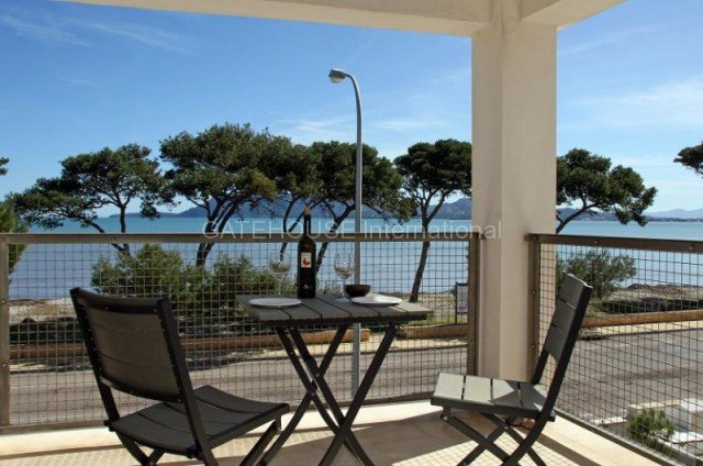 Sea View frontline apartment for sale in Puerto Pollensa