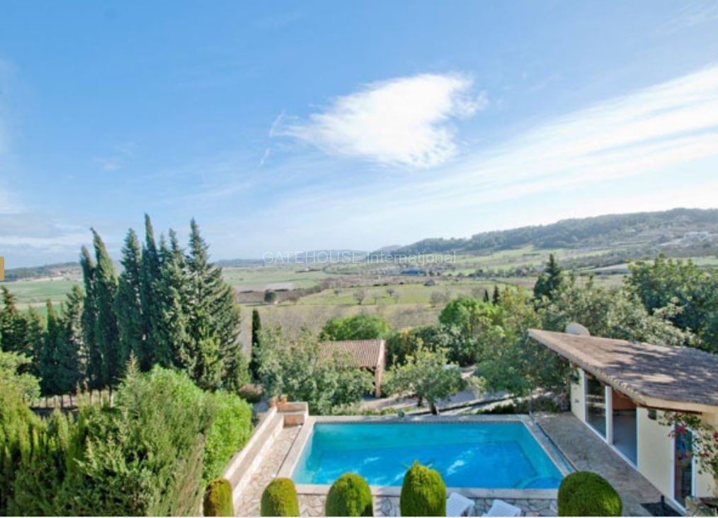 Country finca with guest cottage in Montuiri
