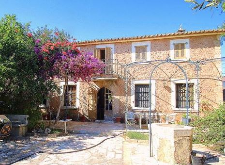Character home for sale close to Palma, Mallorca