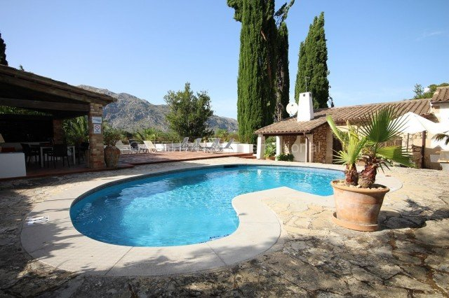 Pollensa Mallorca old house for sale with land