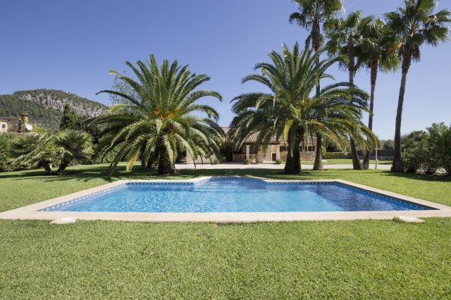 Private stone villa for sale close to Pollensa with 1 acre garden