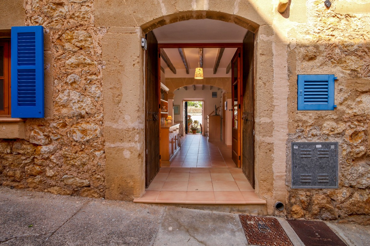 Immaculate old town house in Pollensa Pueblo Old Town with Holiday Rental Licence