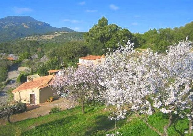 Charming country house in Esporles with views over village & mountains