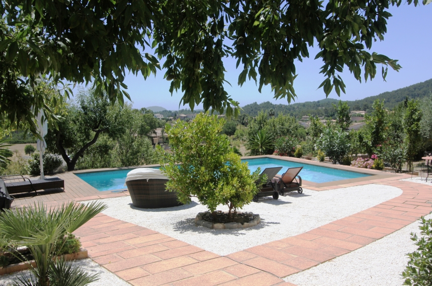 New Country home for sale with far reaching views in Capdella