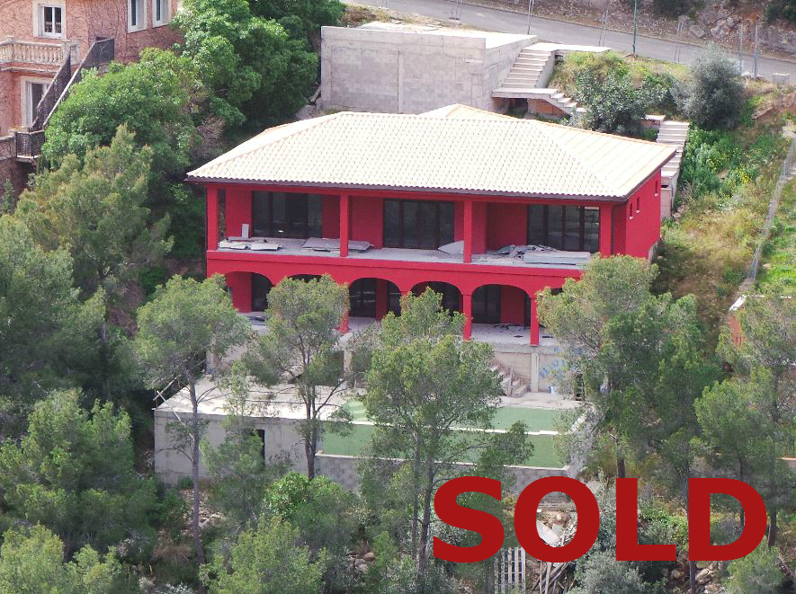 Puerto Portals distressed sale of a large villa in Mallorca
