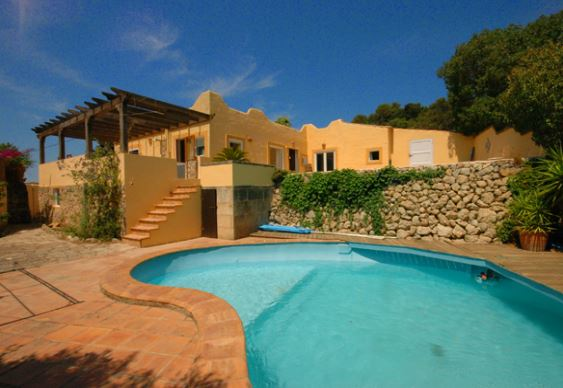 Charming 2 bedroom finca property with wonderful views in Galilea