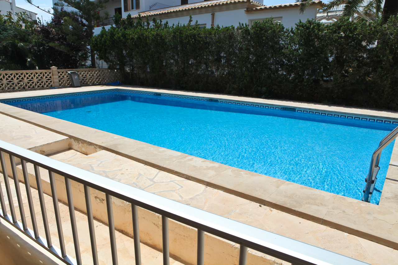 Cheap 2 bed apartment near Cala D Or, with a pool & close to beaches