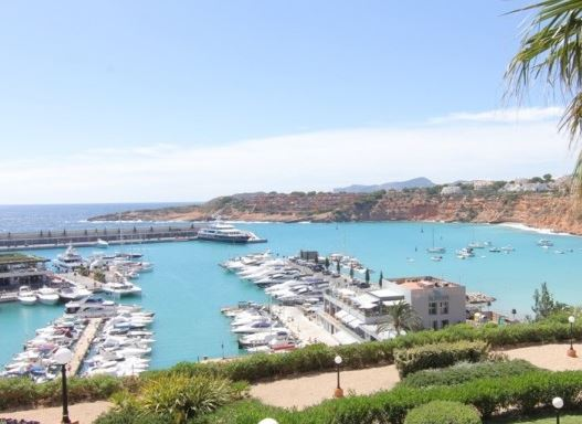Reduced apartment for sale with views over Port Adriano