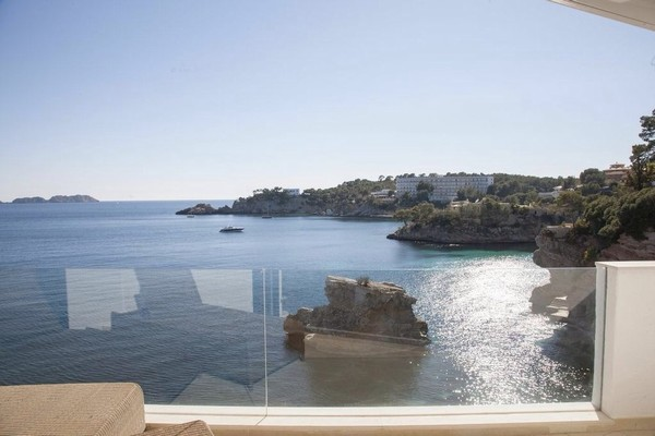 Luxury front line apartment for sale with direct sea access Calvia Mallorca