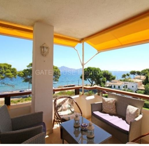 Top floor apartment with sea views in Puerto Pollensa