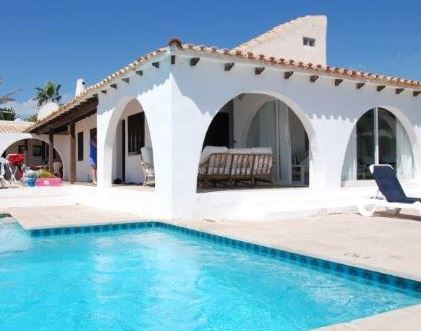 Refurbishment project, frontline home for sale in Cala DOr