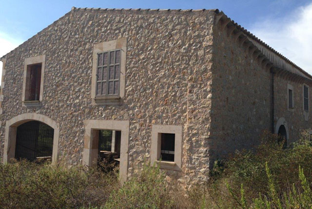 Distressed Sale Finca to be completed in Vilafranca, Mallorca