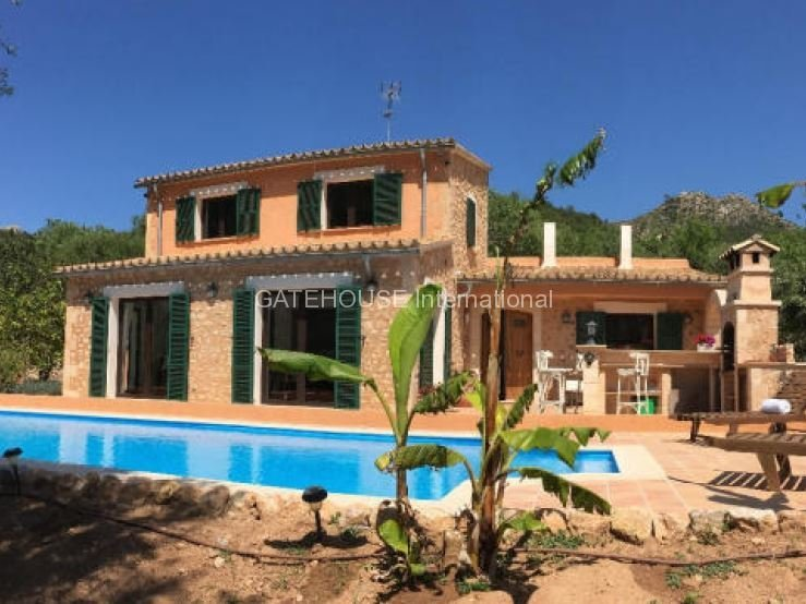 Mountain view Mallorca home for sale close to Andratx