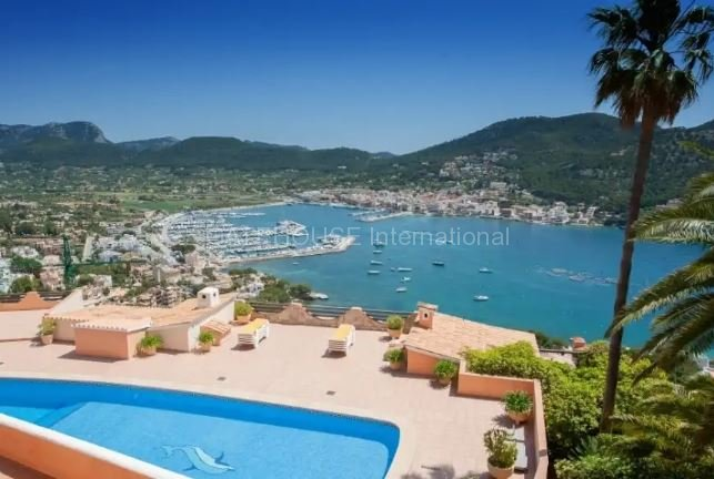 Exclusive Penthouse apartment in Puerto Andratx