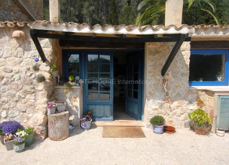 Traditional finca for sale