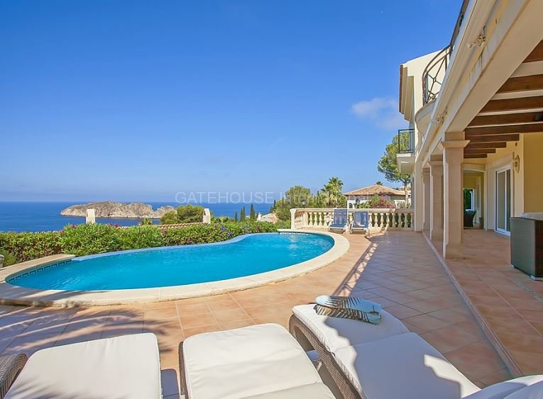 Luxury villa for sale close to Port Adriano and Santa Ponsa