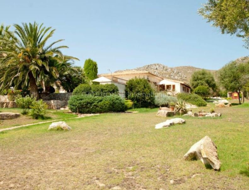 Finca for sale with country views in Capdeperra
