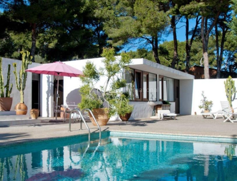 Detached Villa with guest accommodation in Cala Ratjada