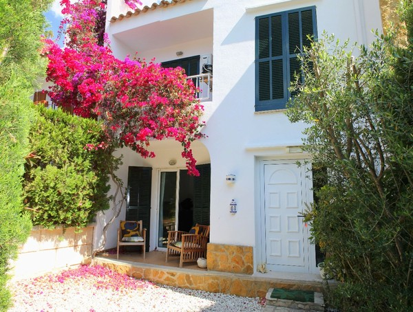 Townhouse for sale in Santa Ponsa offering excellent value for money