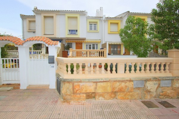 Great value Townhouse for sale in Son Ferrer, Ibiza