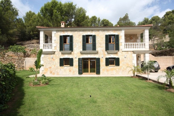 Stone finca for sale in Sa Coma, Mallorca