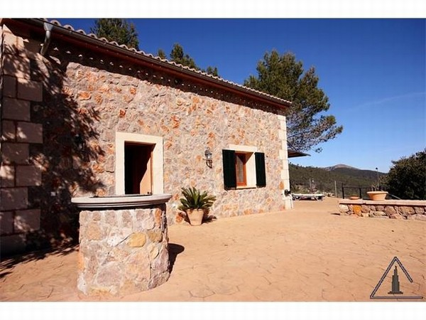 Beautiful finca for sale Esporles with panoramic countryside views