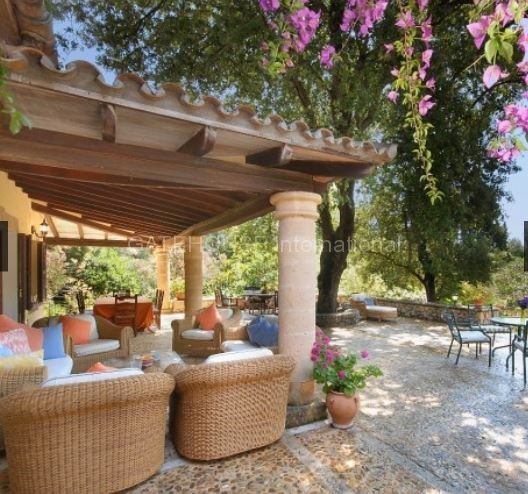 Detached Villa on large secluded plot in La Font Pollensa