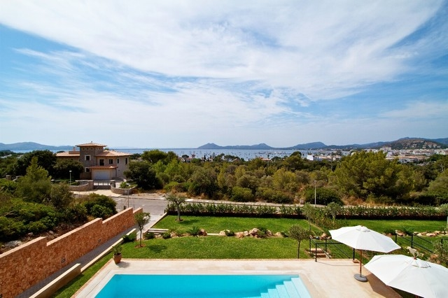 Luxury villa for sale with stunning views over the bay of Pollensa, Mallorca