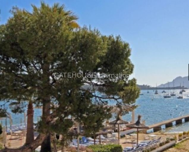 Beach front apartment for sale in Puerto Pollensa
