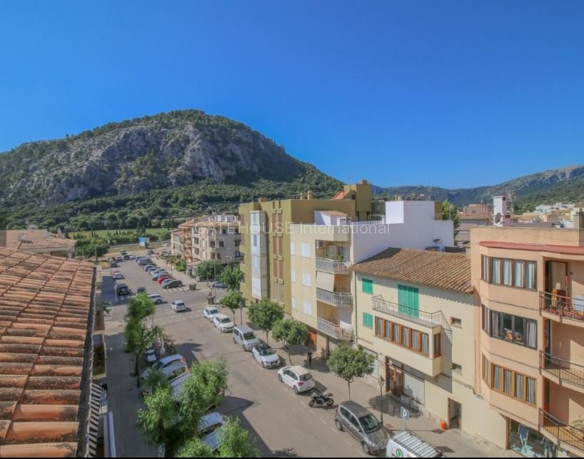 Apartment requiring modernisation for sale in Pollensa