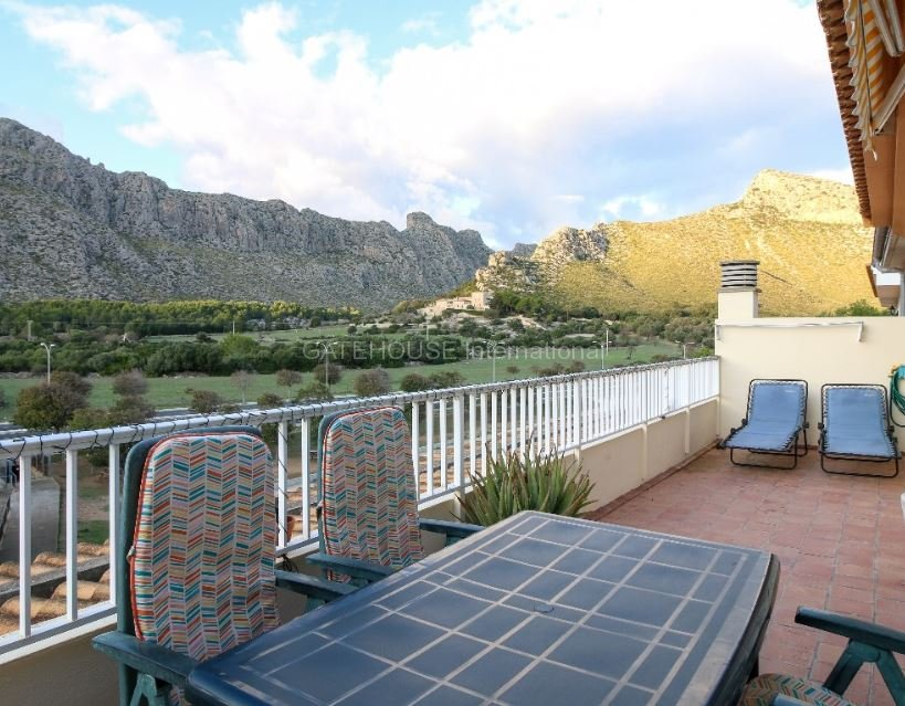 Penthouse apartment with mountain views in Puerto Pollensa