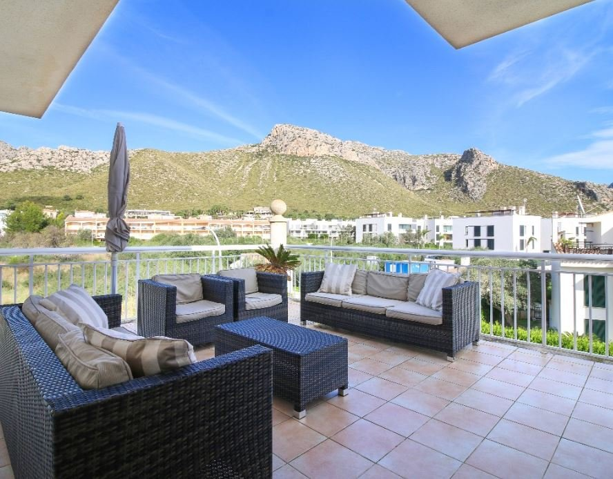 Luxury penthouse apartment for sale in Puerto Pollensa
