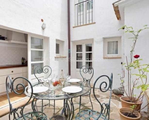 Townhouse for sale in centre of Pollensa