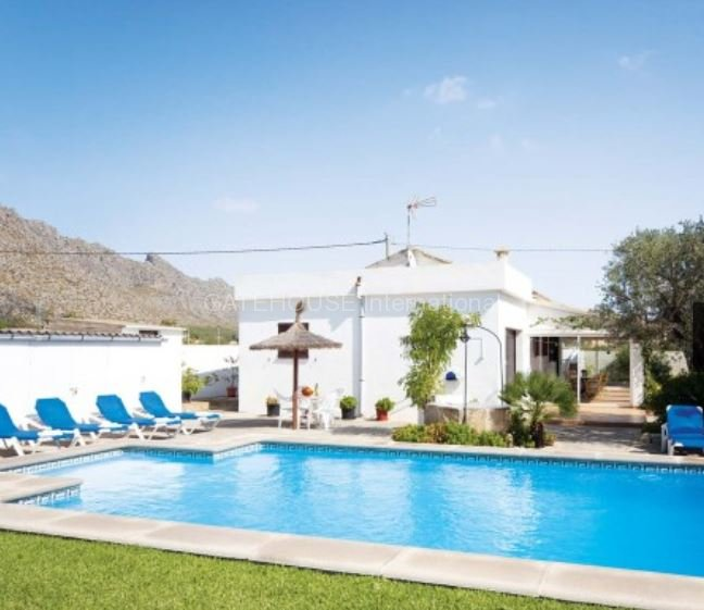 Detached villa within walking distance of Puerto Pollensa