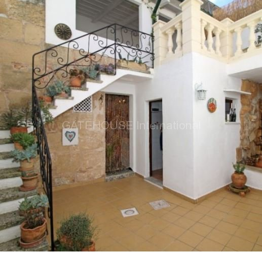 Traditional Townhouse for sale in Pollensa Old Town