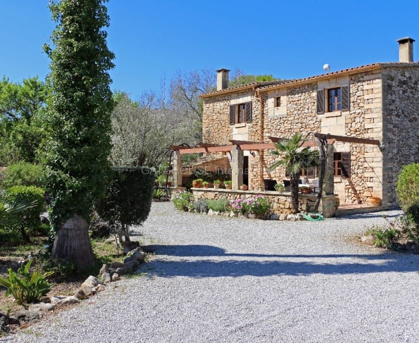 Country house for sale in Pollensa Countryside