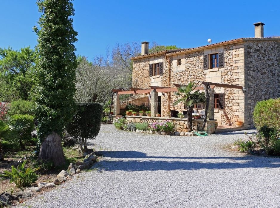 Stone Country House for sale close to Pollensa