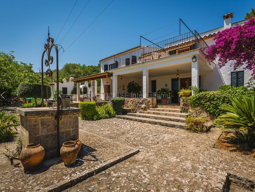 Traditional Townhouse for sale in Pollensa