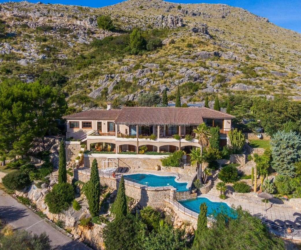 Luxury home with views over the bay of Pollensa