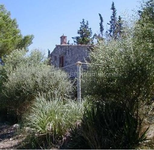 Sea view Renovation Finca for sale on large plot in Pollensa