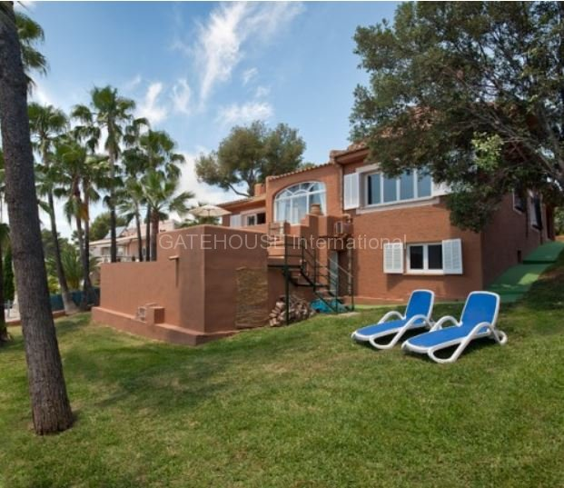 Detached sea view villa for sale in Alcudia