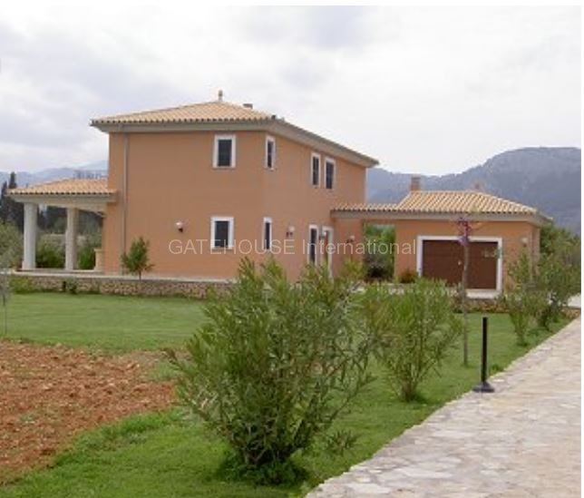 Brand new Country House for sale in Campanet