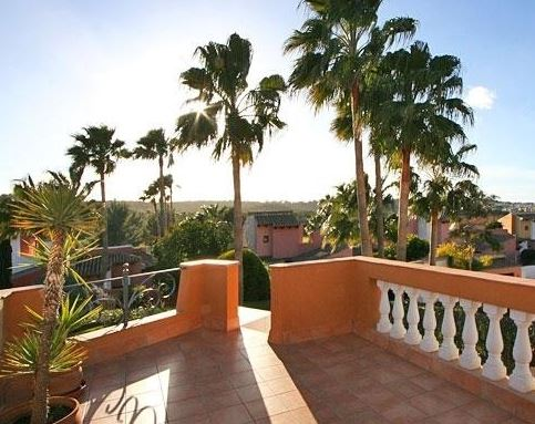 Mediterranean villa for sale next to Santa Ponsa golf course Mallorca