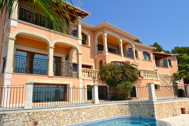 Enormous seven bedroom villa in the exclusive Son Vida development