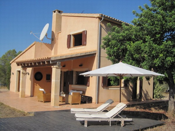 Detached countryside villa in Algaida, on a large plot of 15,000 m2