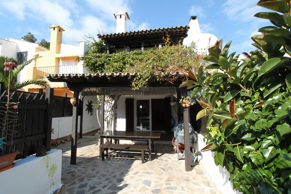 Lovely 4 bedroom villa in Bendinat close to beaches & golf club