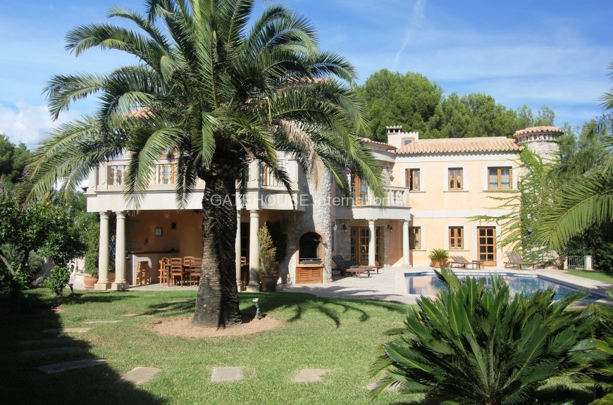 Large Sol de Mallorca house for sale near Sandy Beaches