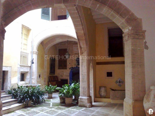 Palma Mallorca La Lonja Born Old palace for sale