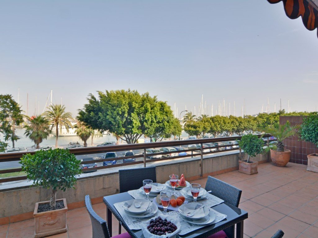 Palma Mallorca Marina view apartment with lift, terrace, private parking